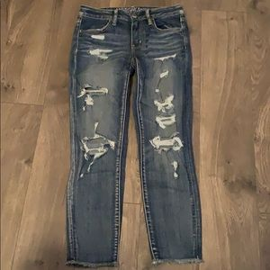 American eagle destroyed ripped capri jeans